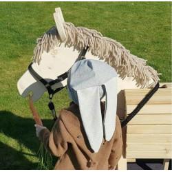 Eine Möhre für Pferd Susi