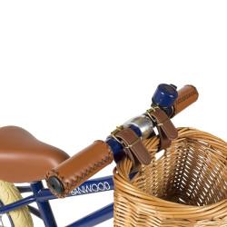 Mit passender Klingel und Weidenkörbchen